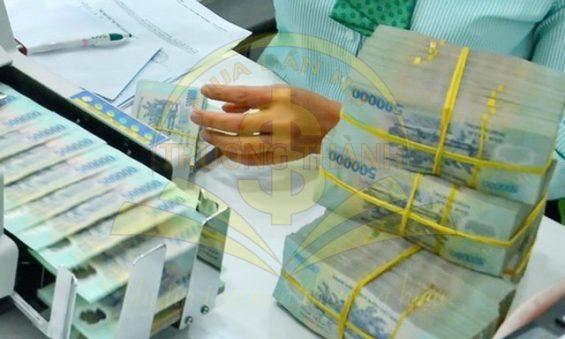 Lãi suất tiết kiệm biến động, những ngân hàng bất ngờ tăng cao